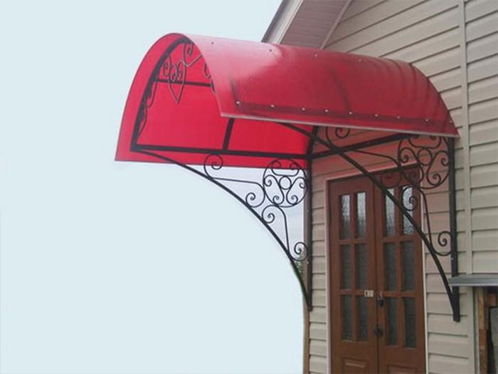 Фото - Делаем навес из поликарбонатных листов для дома