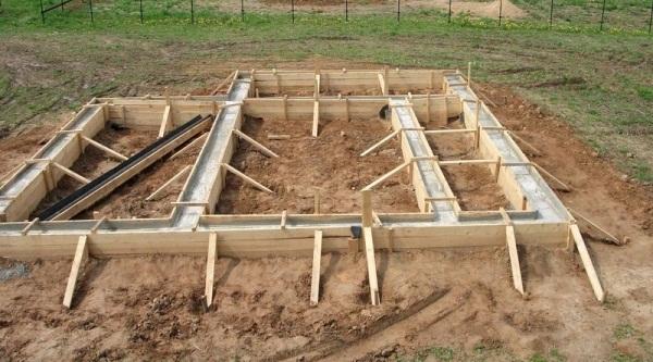 Фото - С чего начинают строительство бани?